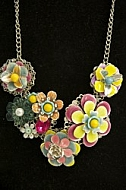 Flowery necklace.