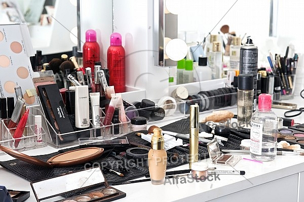 Makup tools, Make-up